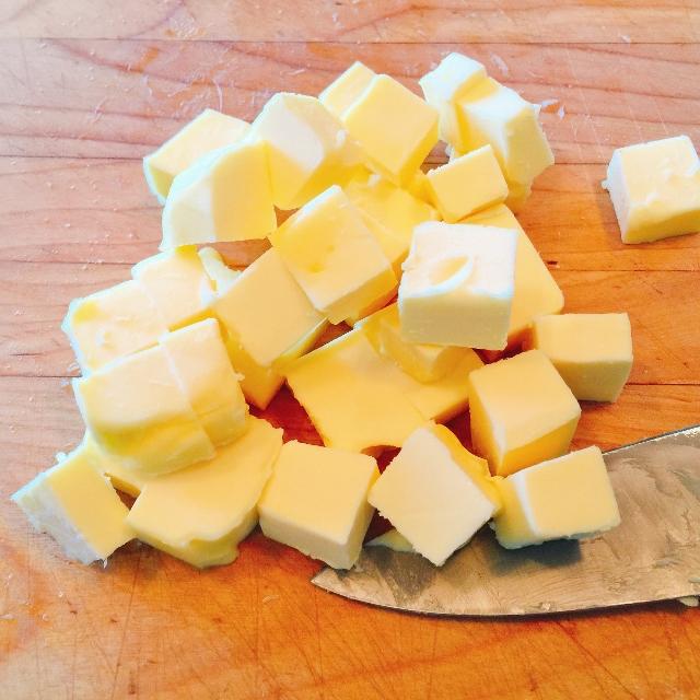 Mixed Berry Oatmeal Almond Crisp 015 (640x640)