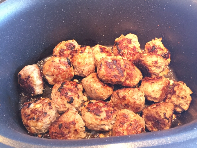 Slow Cooker Italian Meatball Sliders 047 (640x480)