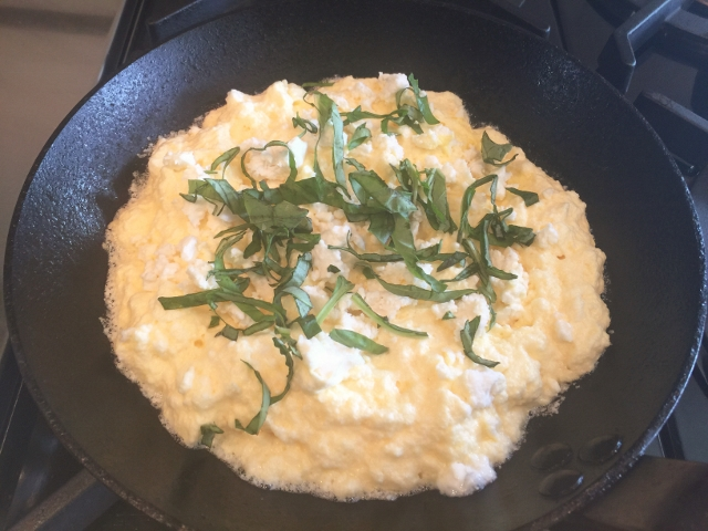 Souffle Omelette with Feta & Basil 035 (640x480)