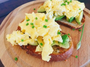 Avocado Toasts with Creamy Soft Scrambled Eggs 050 (560x420)