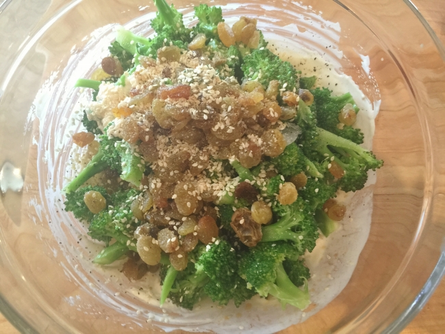 Broccoli Salad with Tahini Yogurt Dressing 034 (650x488)