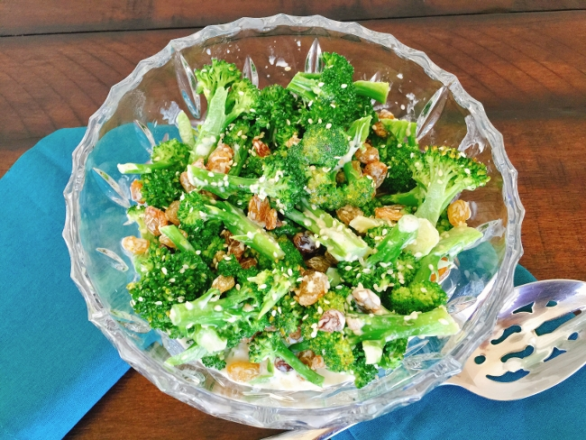 Broccoli Salad with Tahini Yogurt Dressing 060 (650x488)