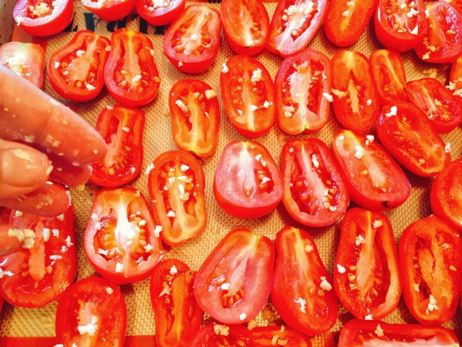 Preserving Roasted Tomatoes 025 (650x488)
