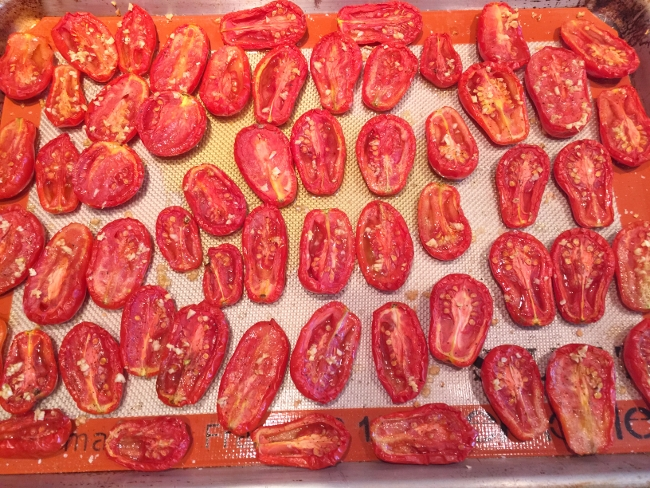 Preserving Roasted Tomatoes 036 (650x488)