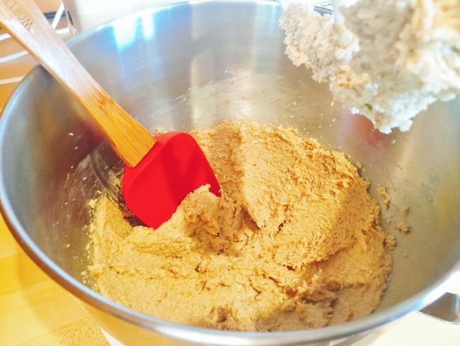 carrot-zucchini-hazelnut-muffins-001-650x488