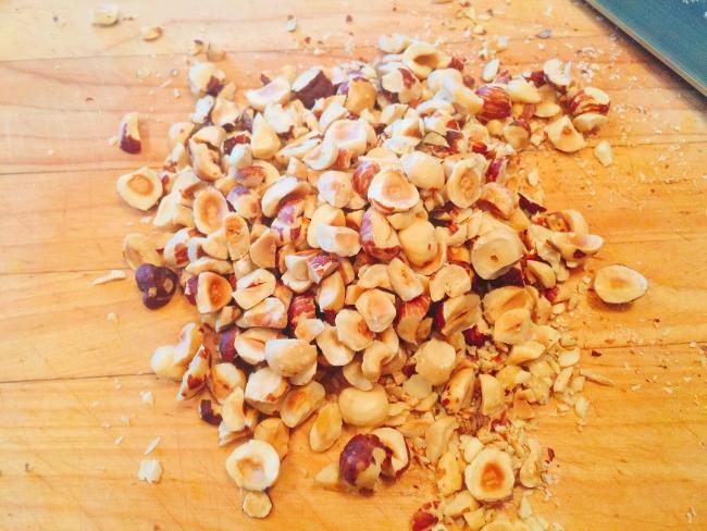 carrot-zucchini-hazelnut-muffins-014-650x488
