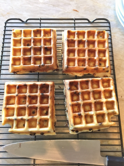 chocolate-chip-waffles-119-488x650