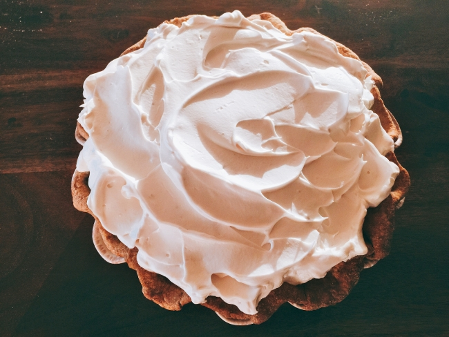 pumpkin-pie-with-brown-sugar-meringue-065-650x488