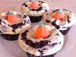 black-bottom-cupcakes-recipe-2013-10-31-003-650x490