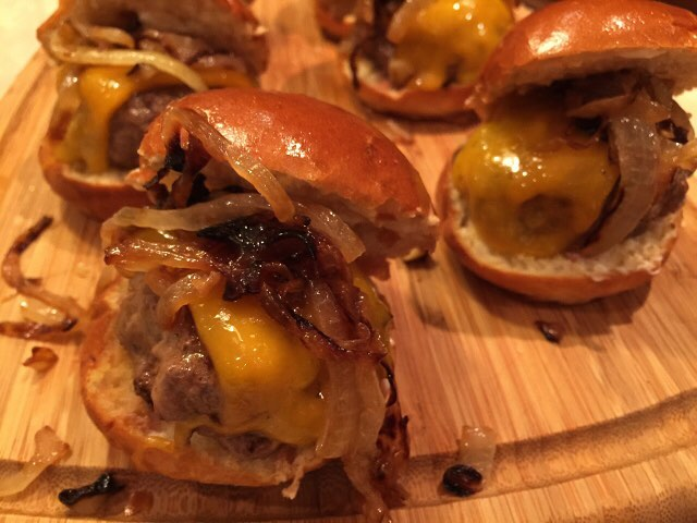Beef amp Cheddar Sliders with Caramelized Onions! Go for ahellip