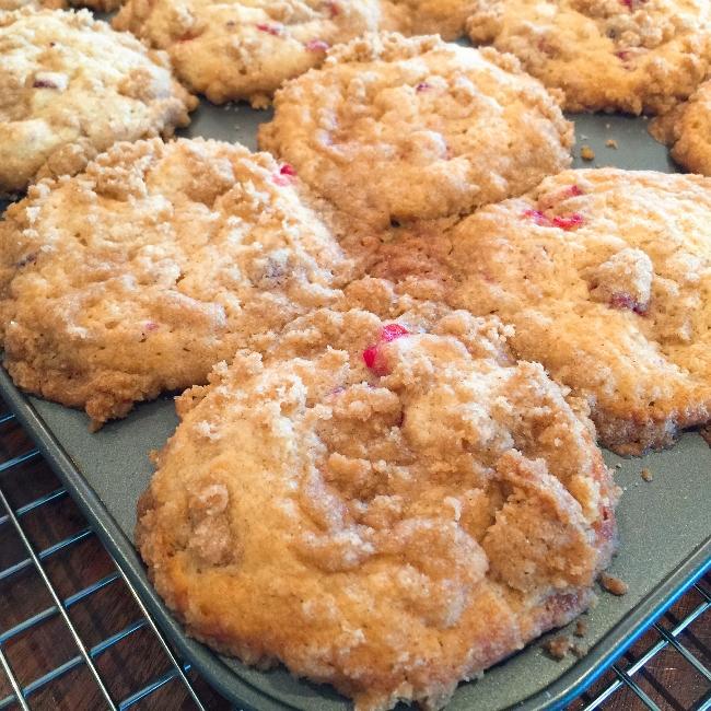 cranberry-crumb-muffins-050-650x650