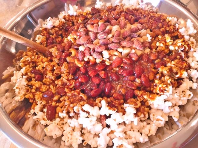 Nutty Holiday Caramel Corn – Recipe! Image 4