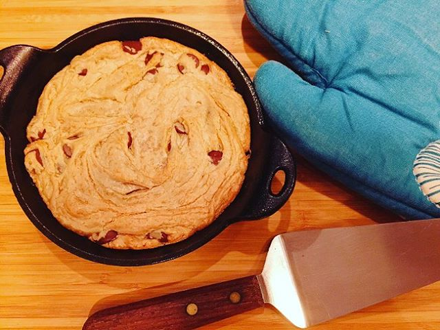 Warm 4Ingredient Peanut Butter Chocolate Chip Skillet Cookie! Life doesnthellip