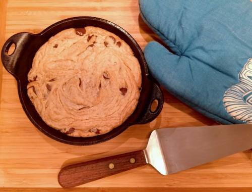 4-Ingredient Peanut Butter Chocolate Chip Skillet Cookie – Recipe!  Gluten-Free!