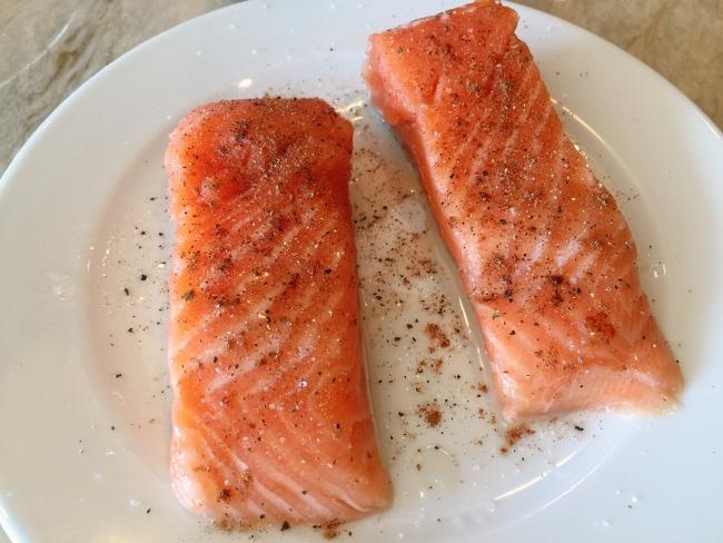 Asian Salmon Riced Cauliflower Bowl 006 (650x488)