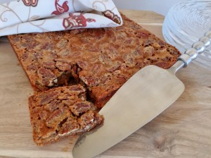 Pecan Pie Bars with Graham Cracker Crust 042 (650x485)
