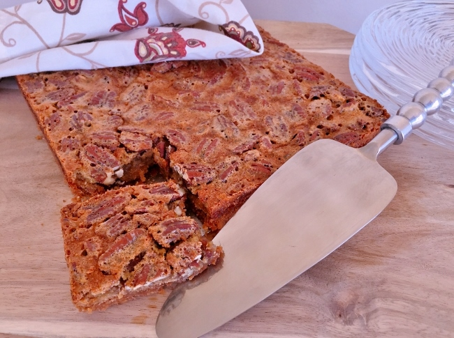Pecan Pie Bars with Graham Cracker Crust – Recipe! Image 1