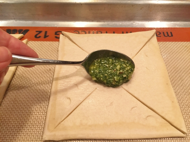 Pesto, Ricotta & Prosciutto Pinwheels 006 (650x488)