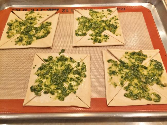 Pesto, Ricotta & Prosciutto Pinwheels 008 (650x488)