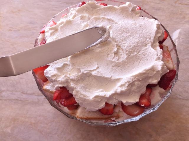 No-Bake Strawberry Angel Food Trifle – Recipe! Image 8