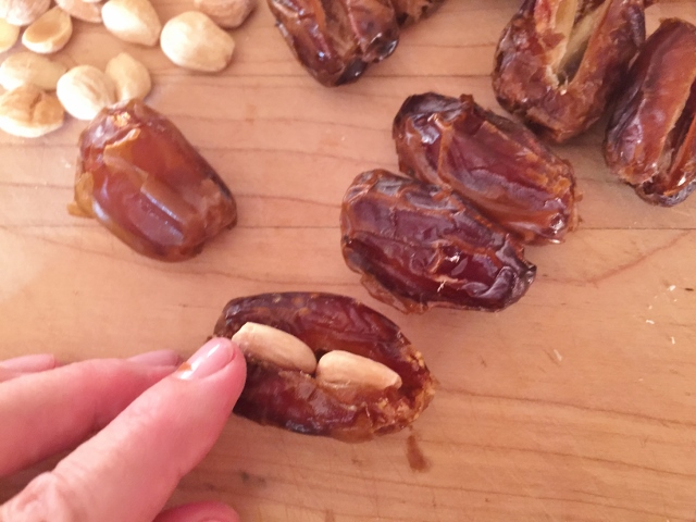 Almond Stuffed Bacon Wrapped Dates – Recipe! Image 3