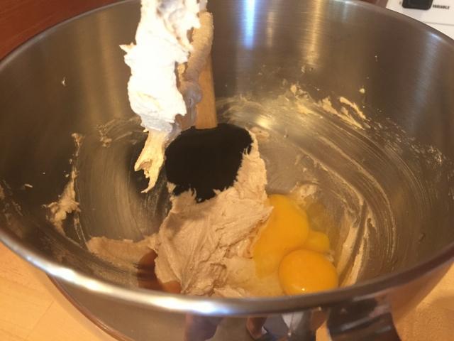 Dark Chocolate Fig Muffins – Recipe! Image 4