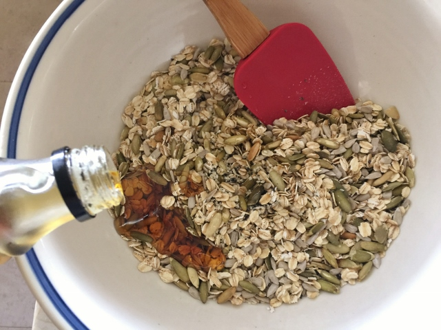 Seedy Crackers – Recipe! Image 3