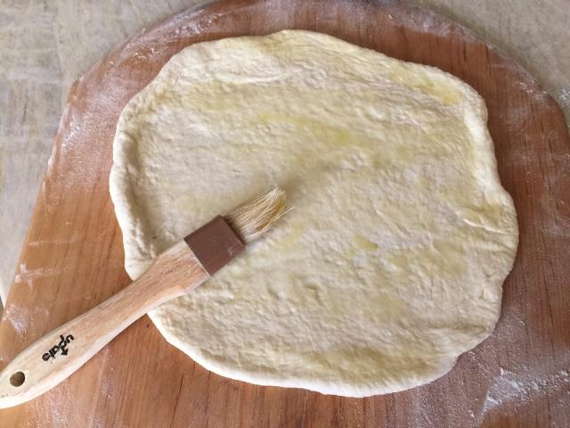 Chicken & Avocado Caesar Salad Flatbread – Recipe! Image 5