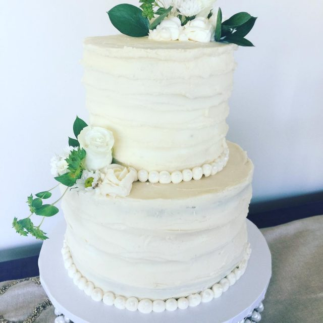 Wedding Cake is done!! Almost time for the fun christinaschlothellip
