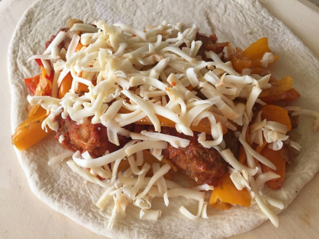 Meatball & Peppers Calzone – Recipe! Image 8