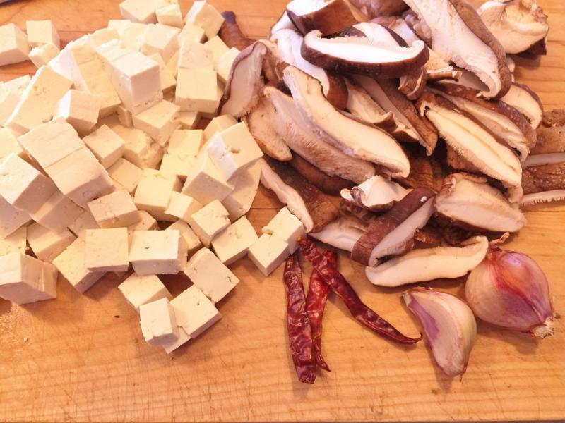 Crispy Tofu, Shiitakes & Asparagus Stir Fry – Recipe! Image 3
