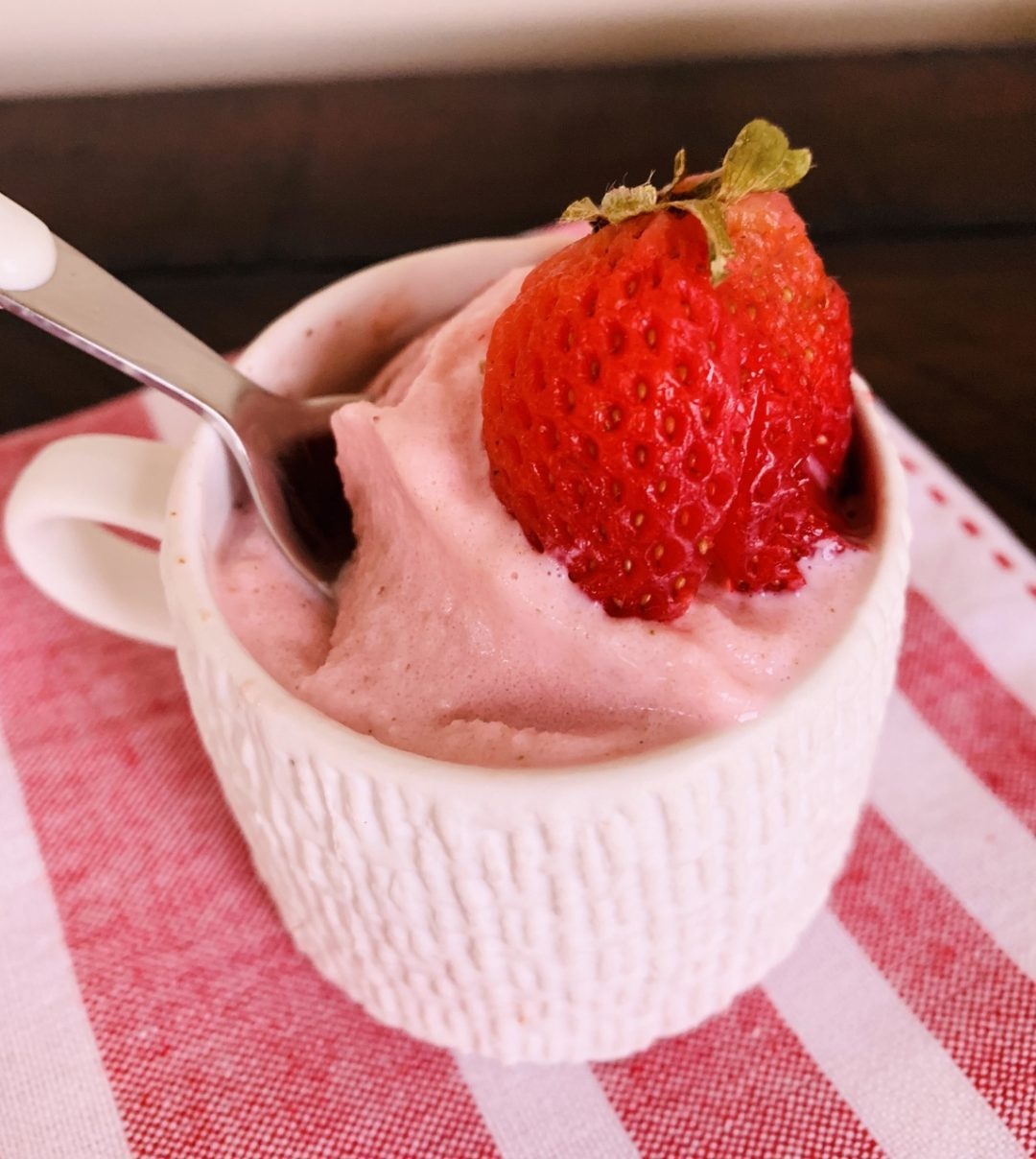 3-Ingredient No-Churn Strawberry Frozen Yogurt – Recipe! Image 1