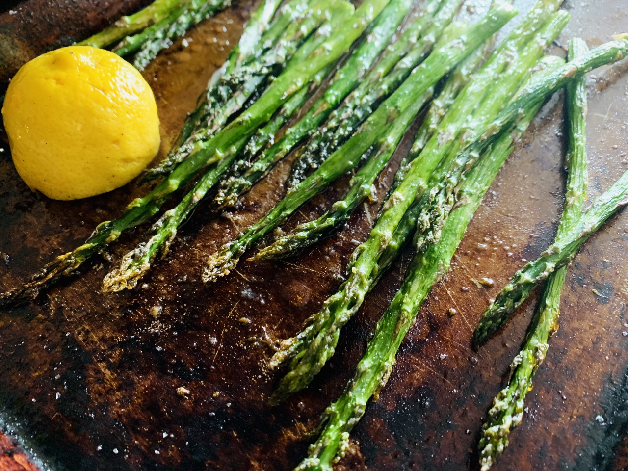 Roasted Asparagus with Herby Buttermilk Sauce – Recipe! Image 4