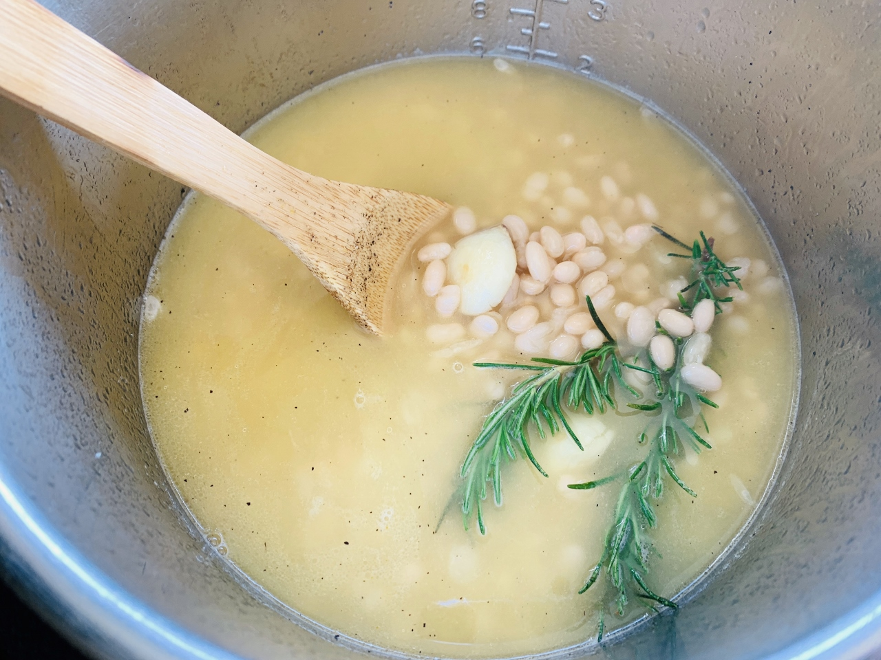 Instant Pot Creamy Rosemary White Beans – Recipe! Image 5
