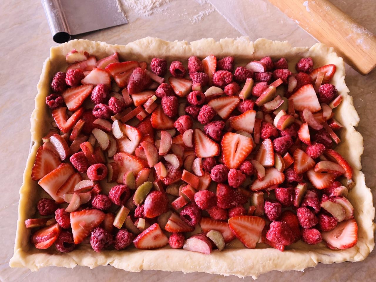 Strawberry-Raspberry Rhubarb Slab Pie – Recipe! Image 4