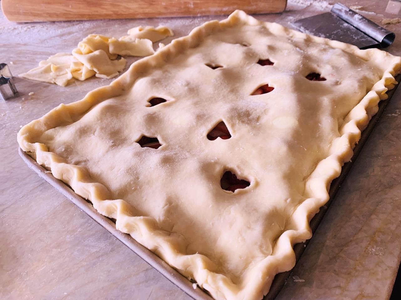 Strawberry-Raspberry Rhubarb Slab Pie – Recipe! Image 3
