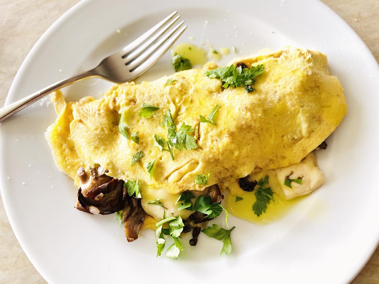 Mushroom & Brie Omelette – Recipe! Image 2