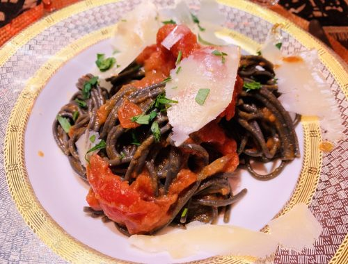 Pasta with Tomato, Onion & Butter Sauce – Recipe!