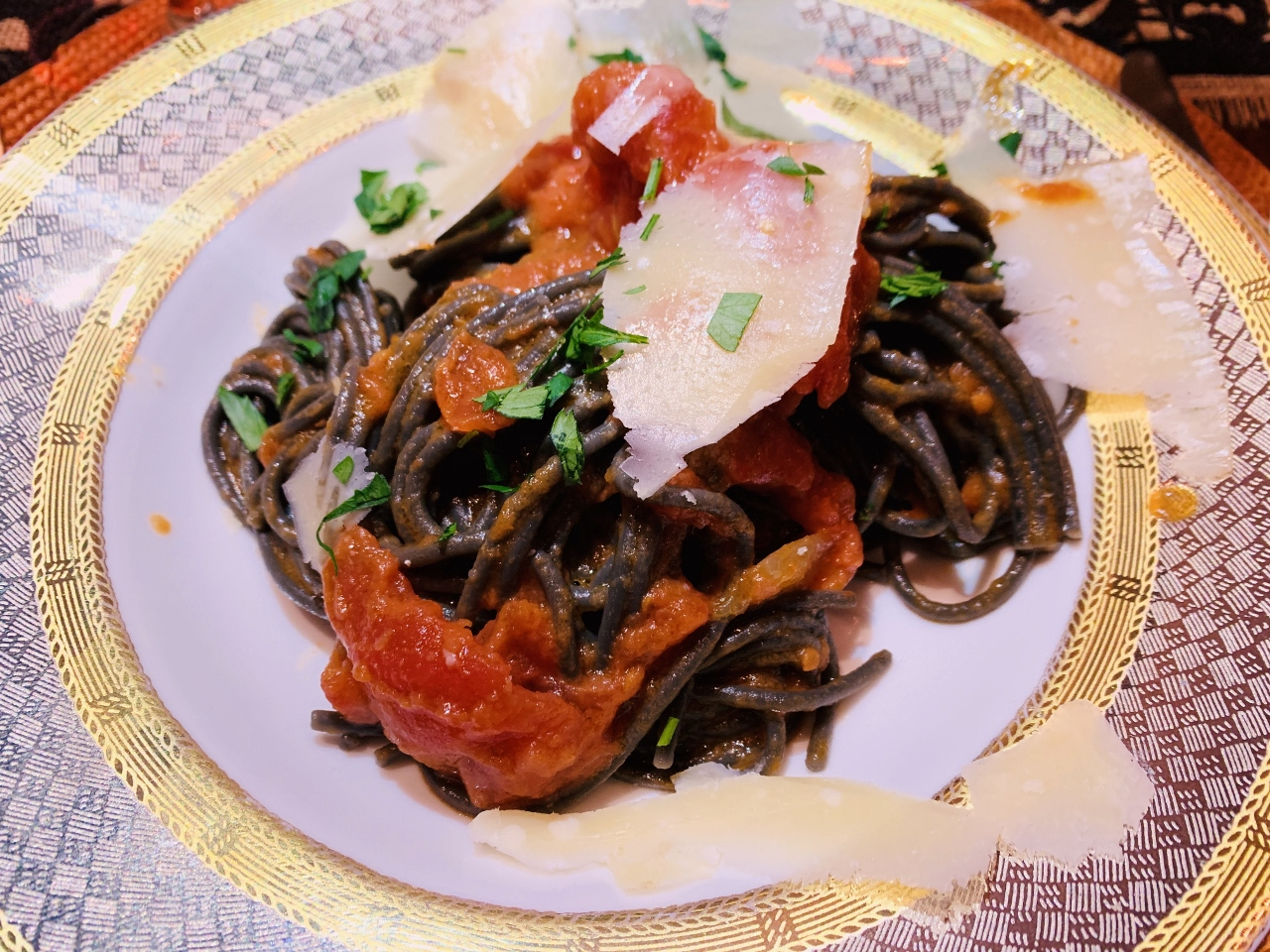 Pasta with Tomato, Onion & Butter Sauce – Recipe! Image 2