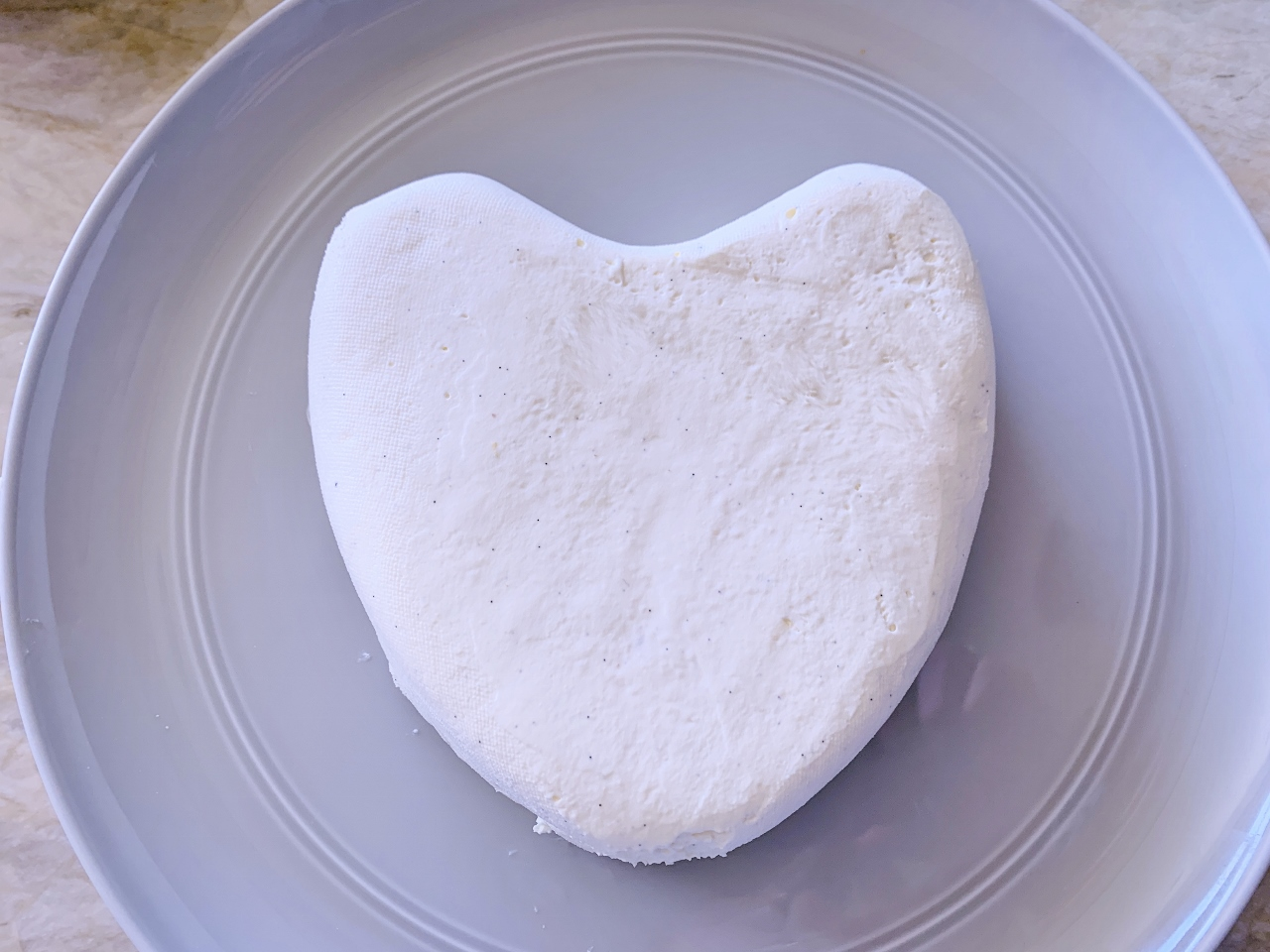 Coeur a la Creme with Raspberries & Chocolate Sauce – Recipe! Image 5