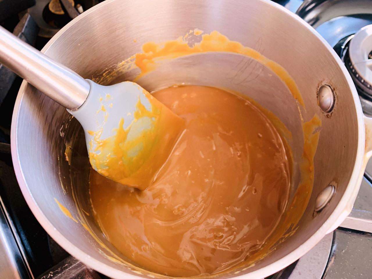 Dulce de Leche Crumb Bars – Recipe! Image 4