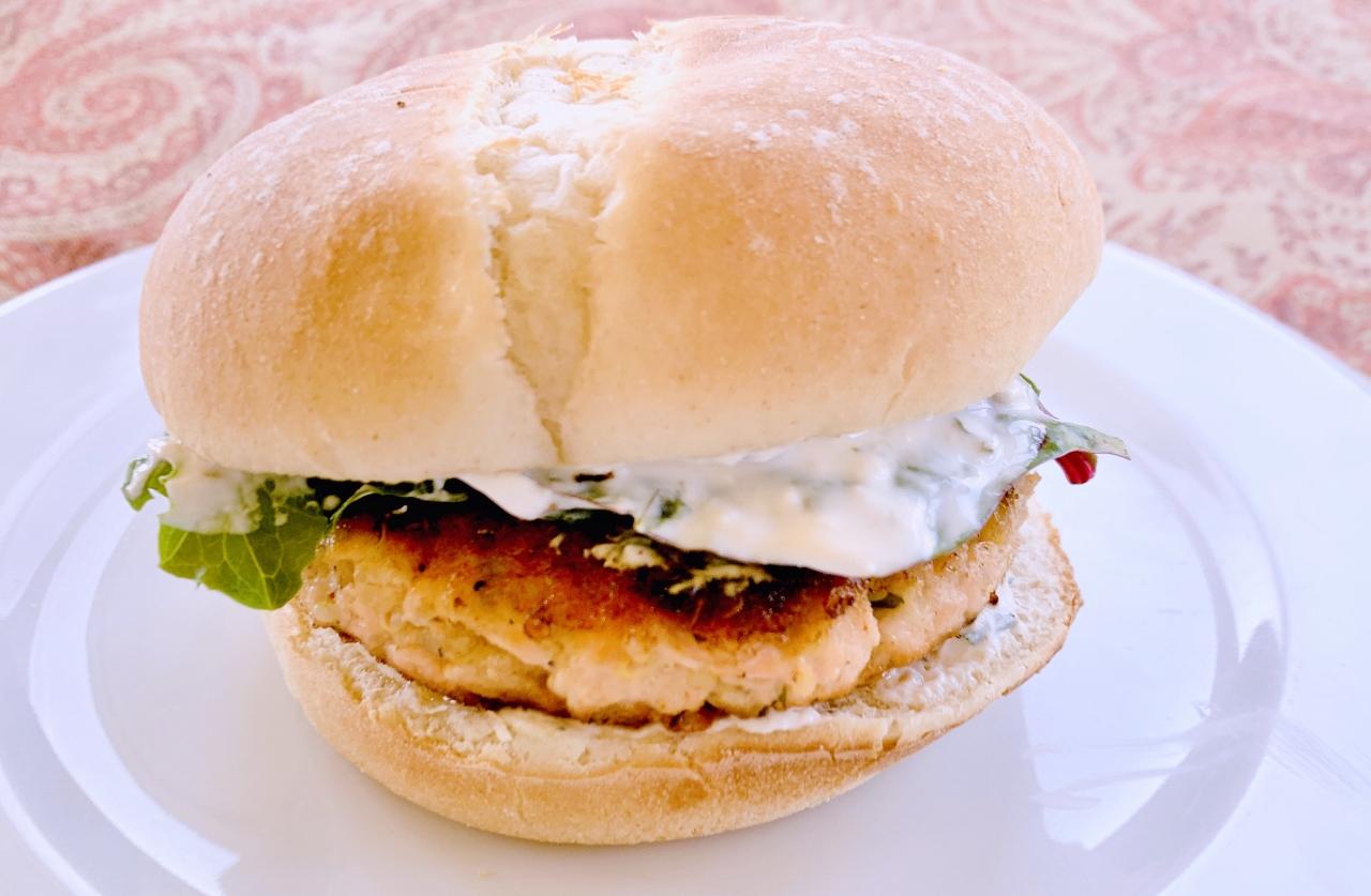 Salmon Quinoa Burgers with Creamy Horseradish Spread – Recipe! Image 2