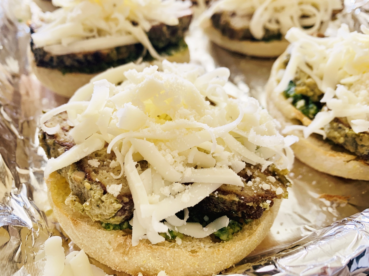 English Muffin Turkey Meatball Pizzas with Arugula Pesto – Recipe! Image 6