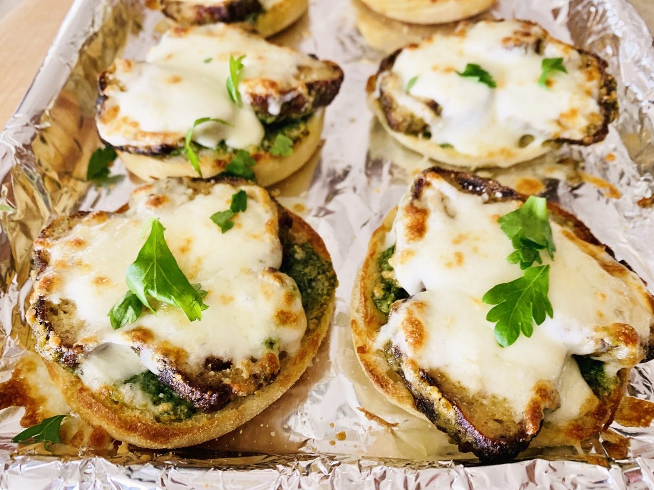 English Muffin Turkey Meatball Pizzas with Arugula Pesto – Recipe! Image 2