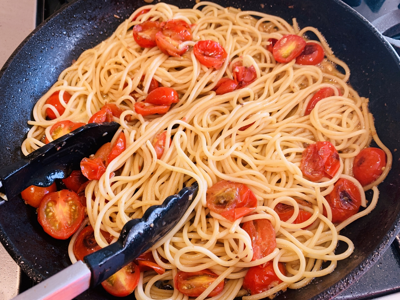 Tuna, Charred Cherry Tomato & Bacon Spaghetti – Recipe! Image 6