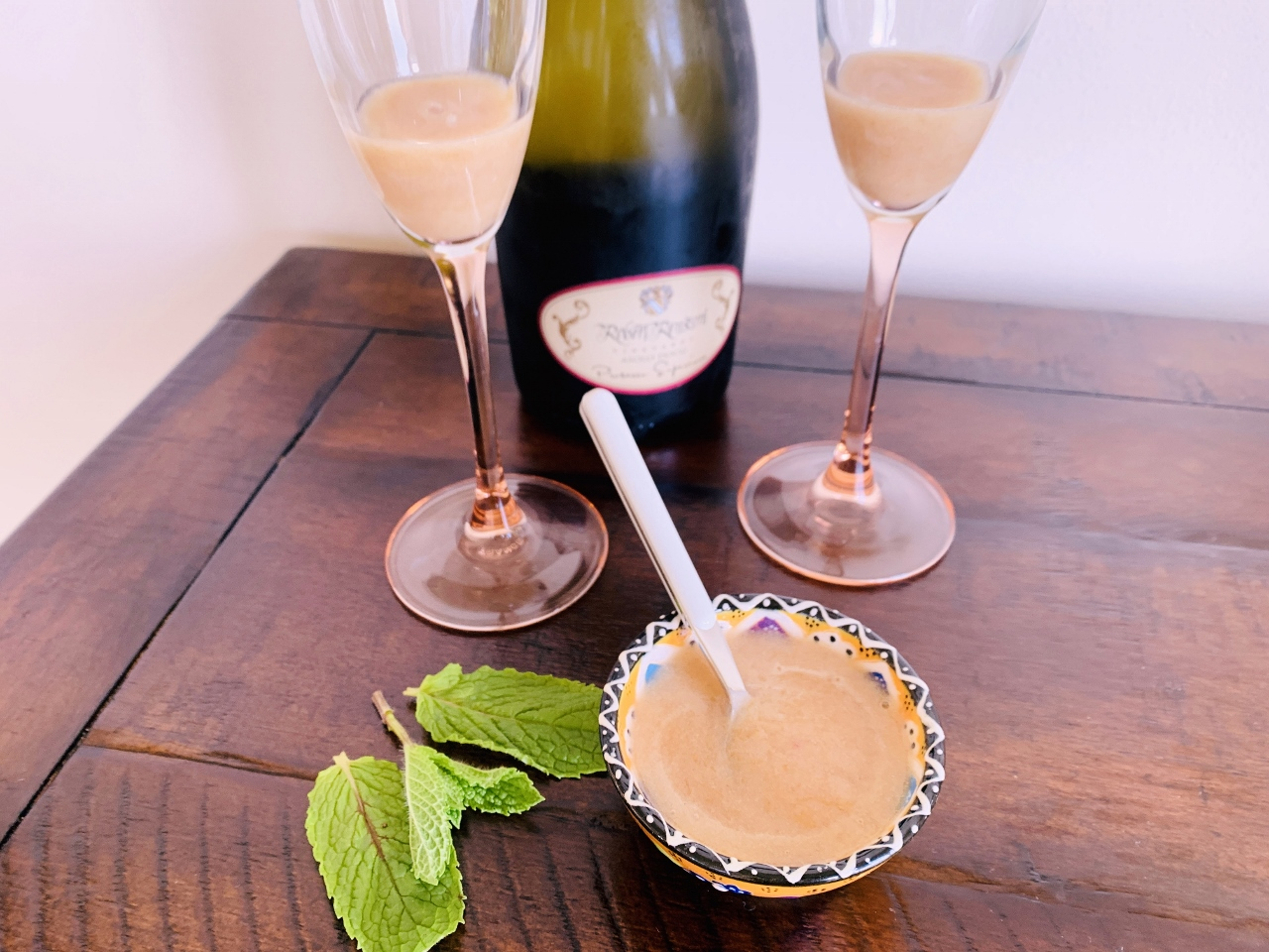 Peach Bellini – Recipe! Image 3