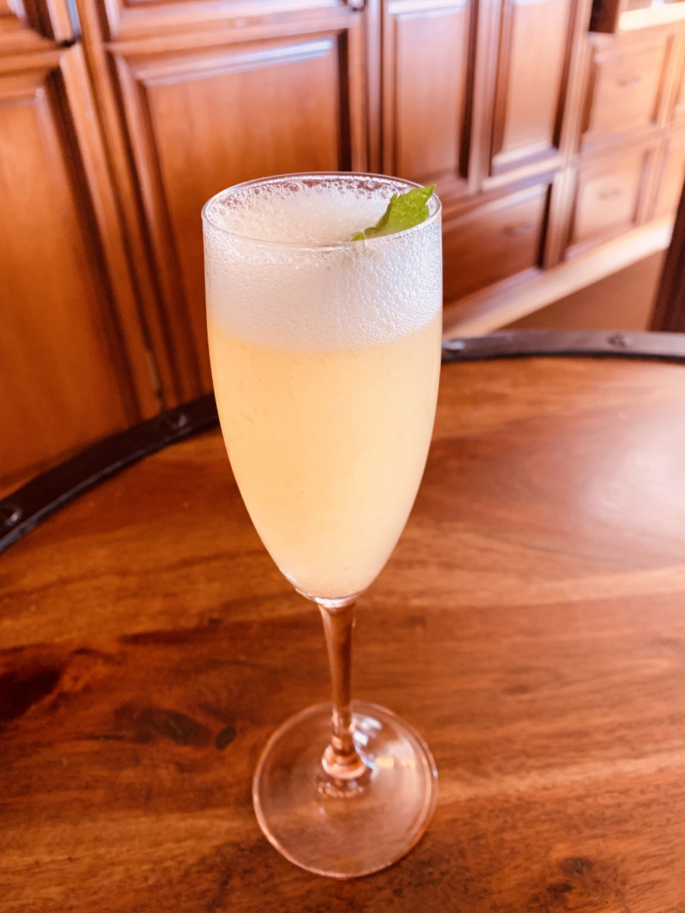 Peach Bellini – Recipe! Image 1