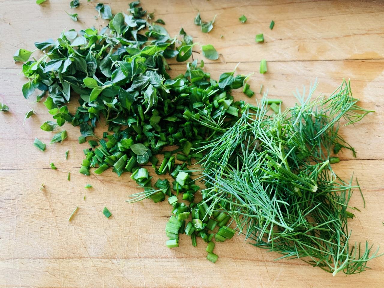 Herby Yogurt Dip – Recipe! Image 3