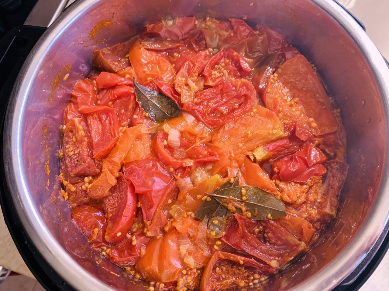 Electric Pressure Cooker Heirloom Tomato Sauce – Recipe! Image 5