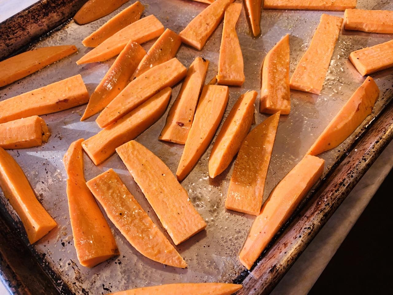 Oven Roasted Za'atar Sweet Potato Fries with Chili Mayo – Recipe! Image 3